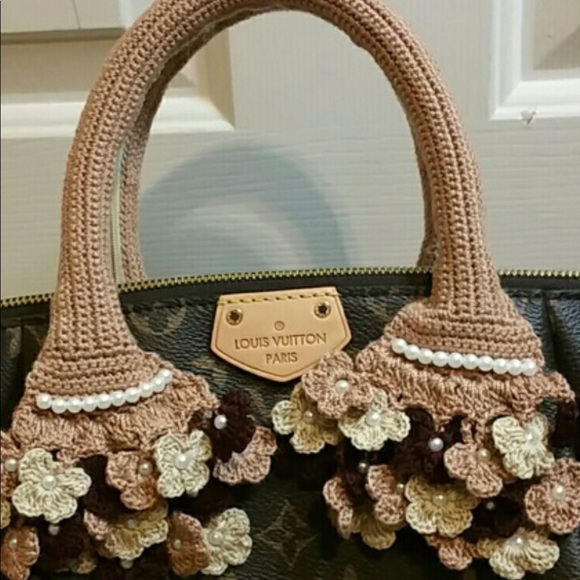 3bac0555d77f Handmade crochet handbag handle cover. M 5a993050331627a8f260348e
